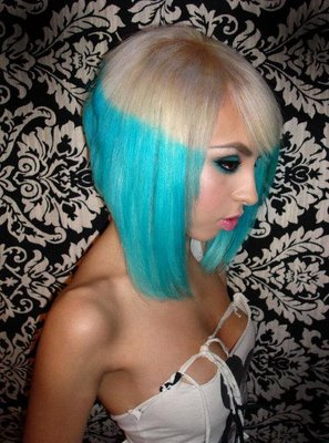 Blond-and-Blue-Emo-Hairstyle