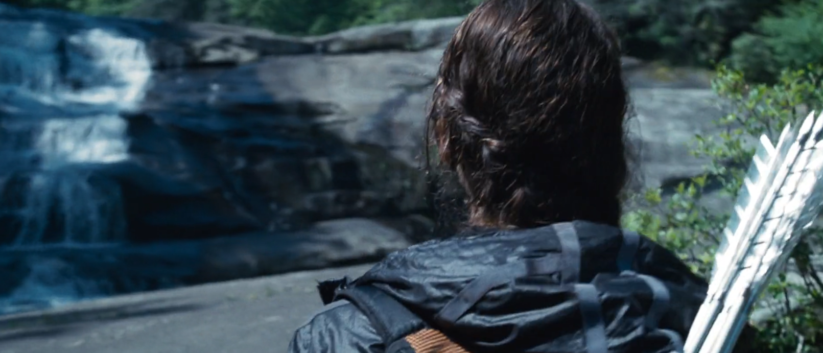 Jennifer Lawrence Katniss hunger games sporty braid back of head