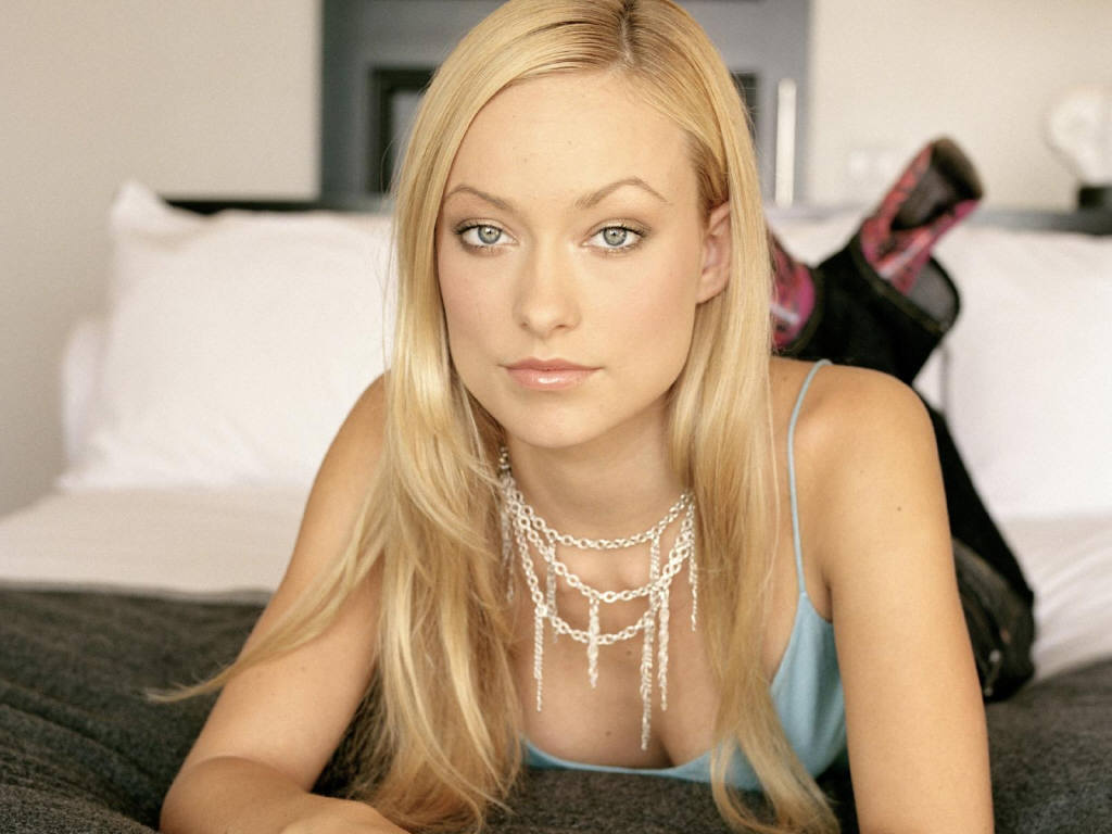 Olivia Wilde long straight blond hair