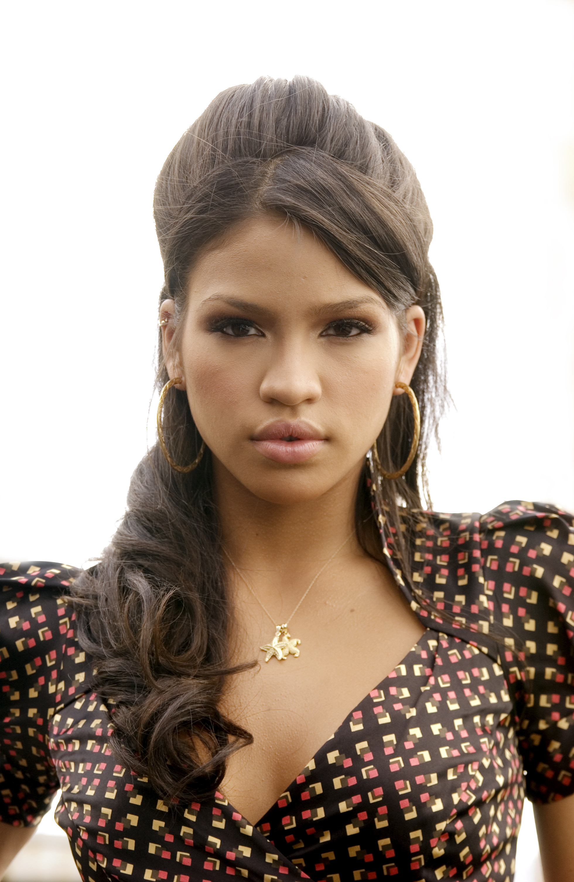 cassie ventura long brown hairstyle