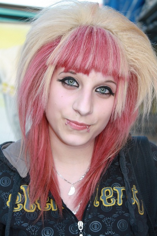 emo_hair_light_pink_blonde