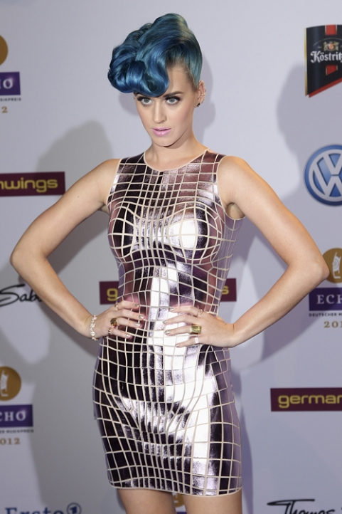 katy perry blue hair mirror ball dress