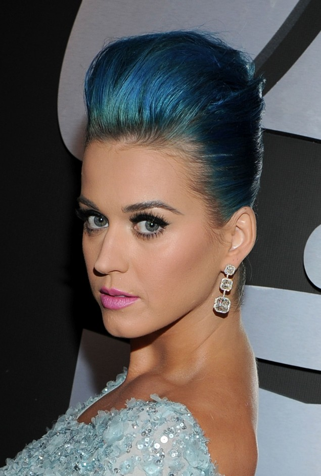 Astonishing 28 Pictures Of Katy Perry Rocking Blue Hairstyles Strayhair Short Hairstyles For Black Women Fulllsitofus