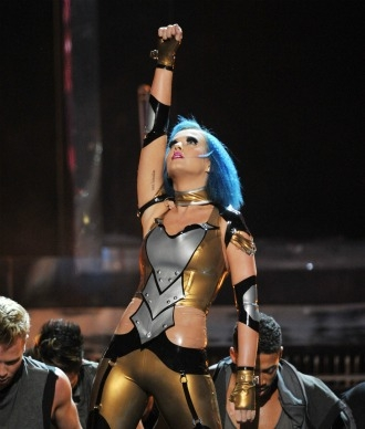 katy perry performing with blue hair