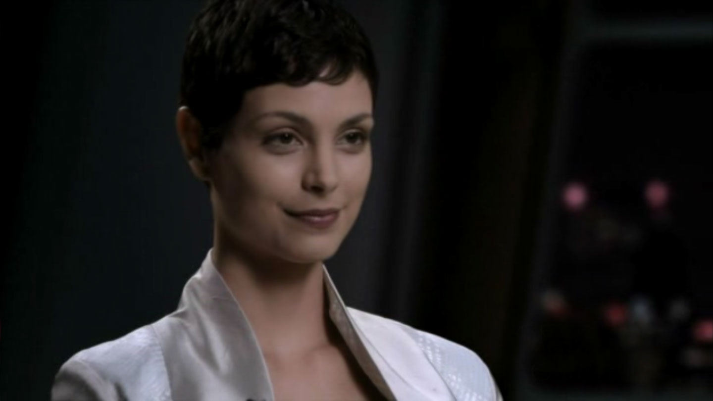 morena_baccarin_V_super_short_hairstyle
