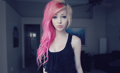 super cute long pink and blonde hairstyle