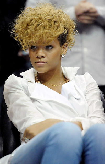 Awesome 50 Great Rihanna Hairstyle Photos Strayhair Short Hairstyles For Black Women Fulllsitofus