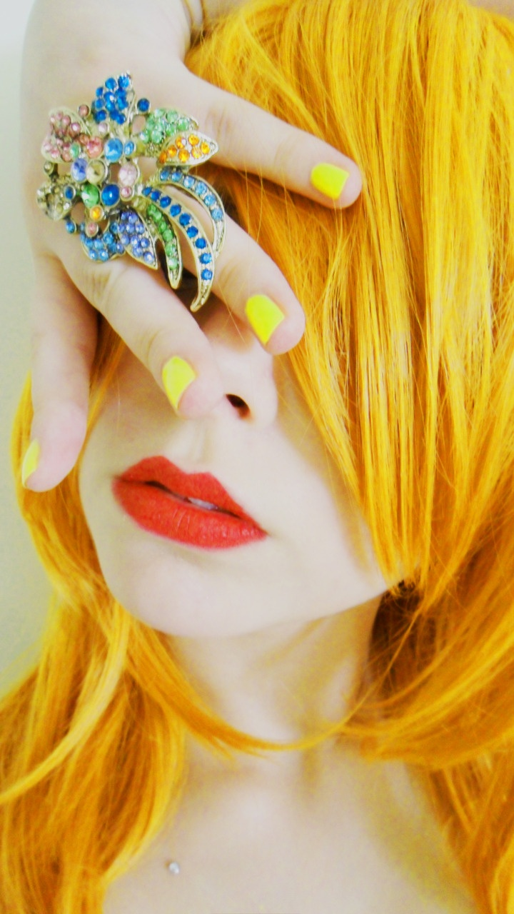 Bright Yellow Hair – 7 unique color inspiration photos ...