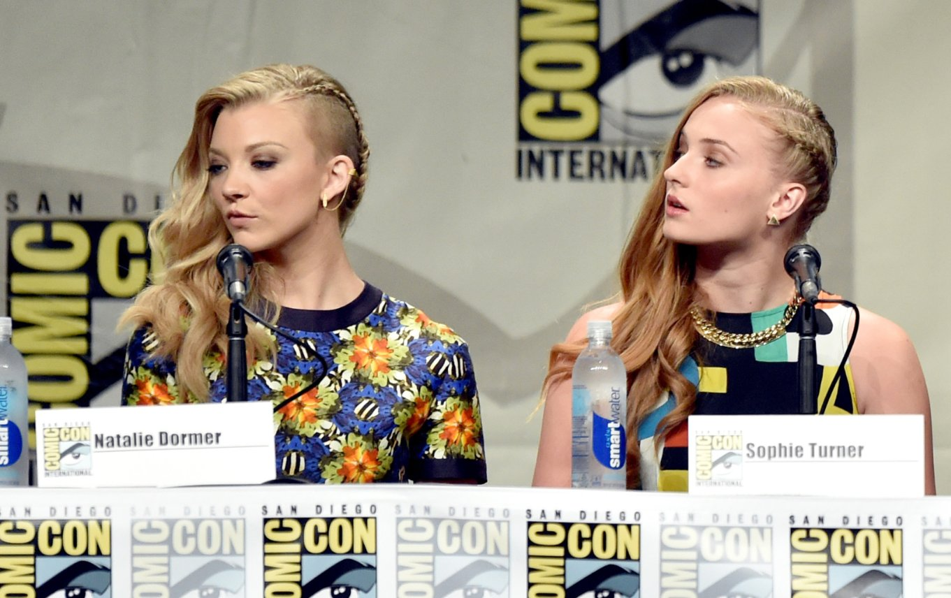 Natalie Dormer shaved side of head at comicon