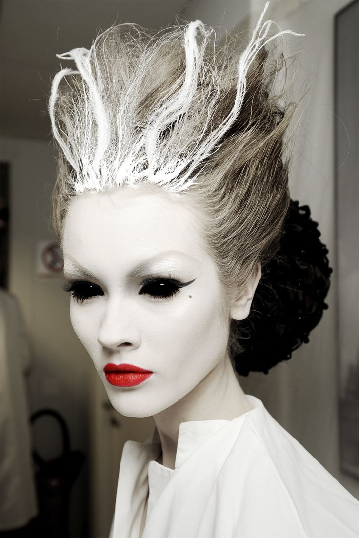 creepy scary halloween hairstyles