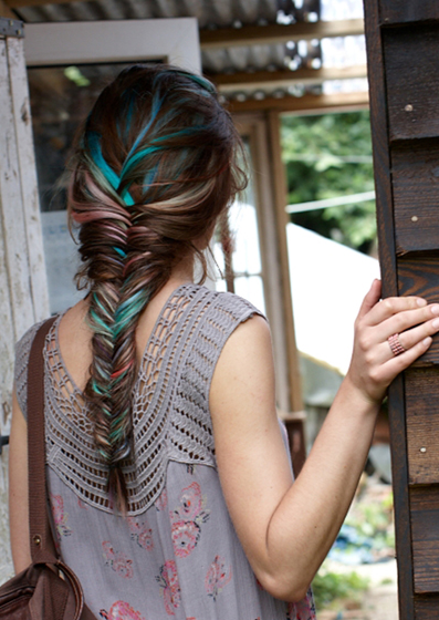 subtle multi-color fishtail braid