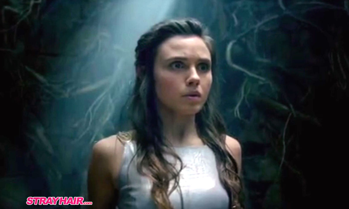 Amberle simple pretty hairstyle in the shannara chronicles