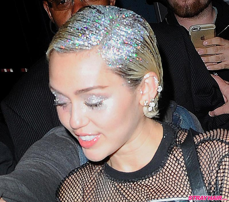 Miley Cyrus silver sparkles hair
