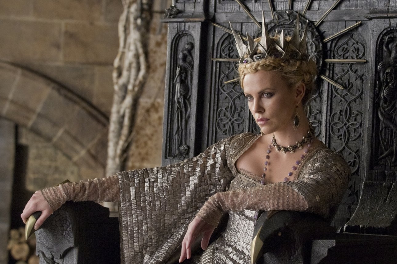 Charlize Theron in Snow White and the Huntsman crown hairstyle