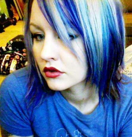 Emo_Hair_Style_blue_sholder_length
