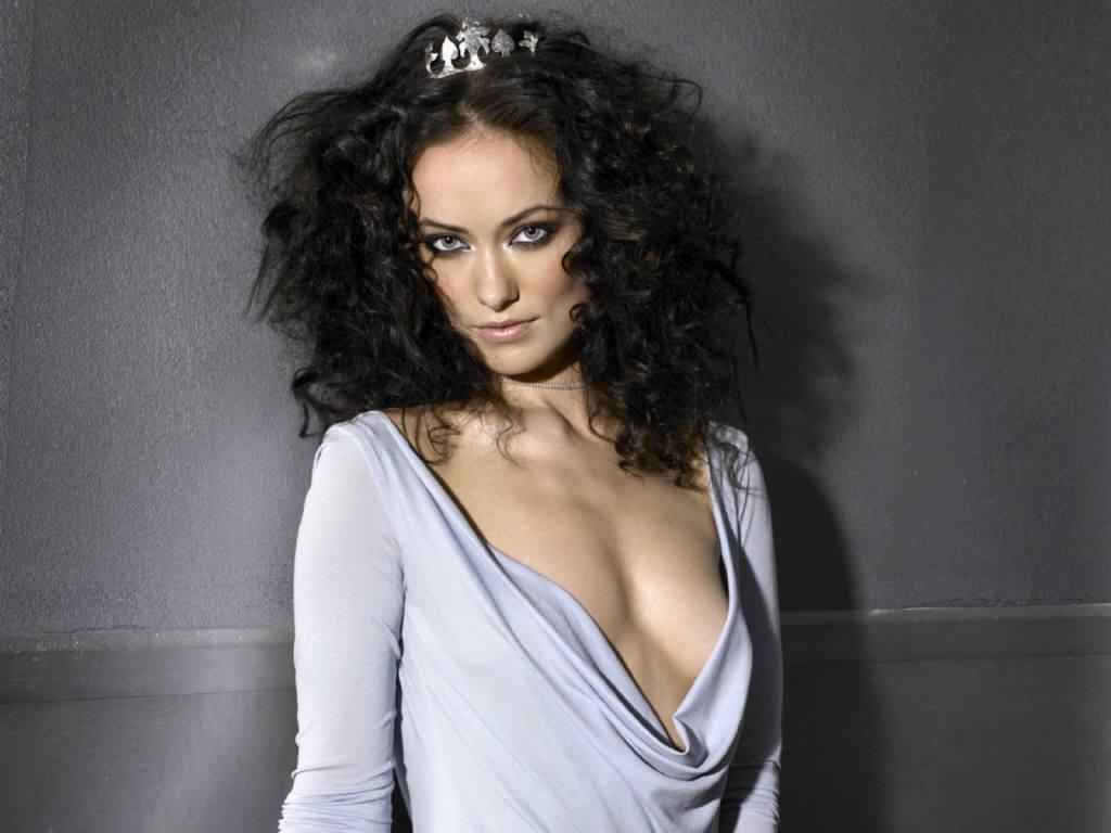 Olivia Wilde super curly dark hair