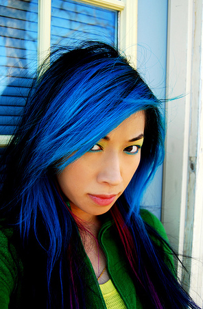 blue-_black_emo-hair