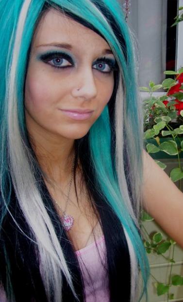 blue-hair-emo