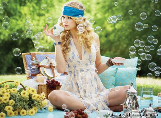 taylor swift blue bandana sun dress hippie hairstyle