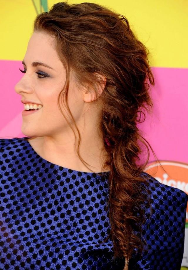 Kristen Stewart Messy Fishtail Braid Hairstyle – StrayHair