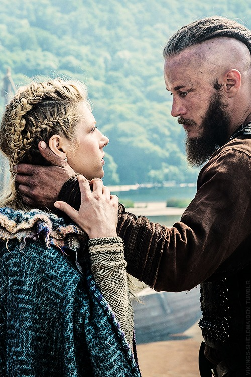 Katheryn Winnick Vikings Hair Braids