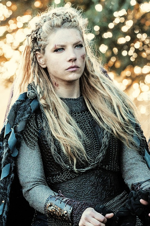Katheryn Winnick Vikings Hair