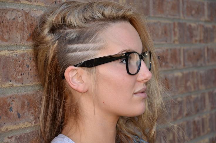 stripe undercut hair design long blonde hair