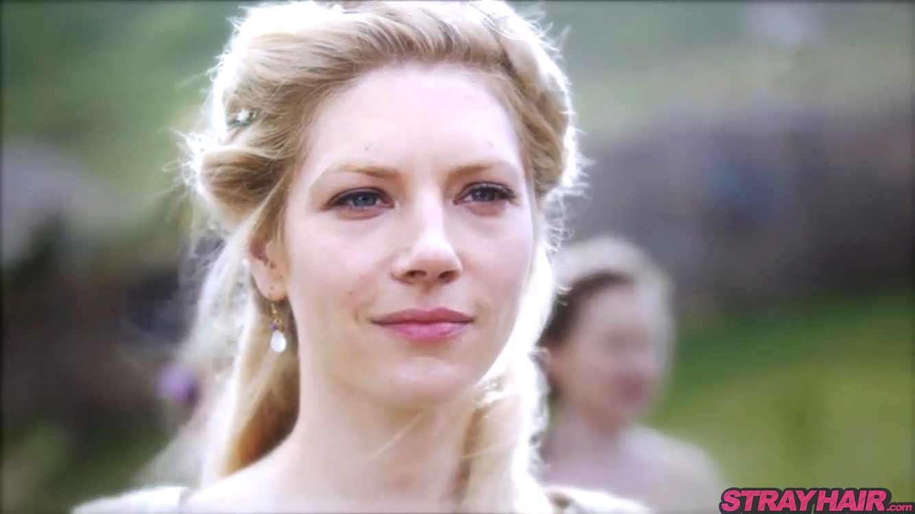 Lagertha Katheryn Winnick Vikings season 4 pretty elegant hairstyle