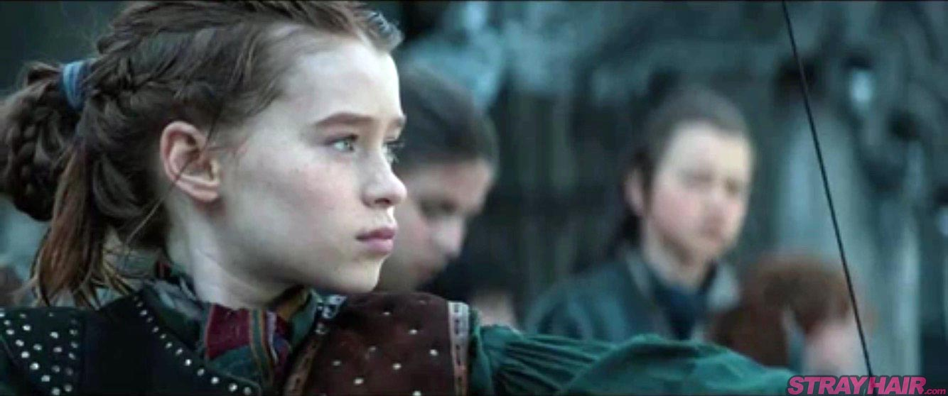 Niamh Walter who plays the younger Sara braids hairstyle The Huntsman Winters War