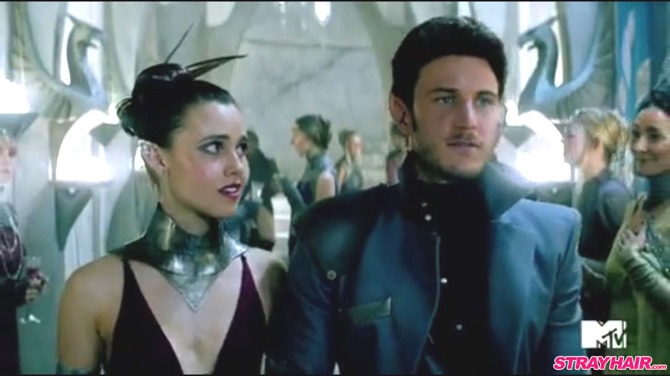 Amberle cocktail party dress and hairstyle The Shannara Chronicles